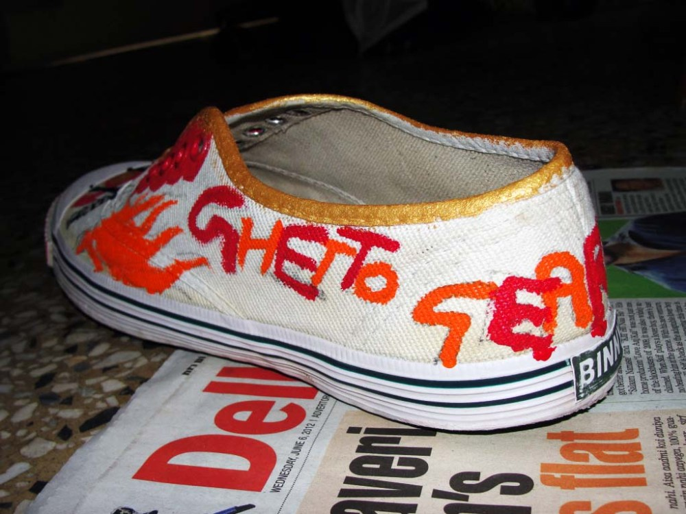 DIY Painted Canvas Shoes (3/5)